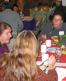 Folks eating at the 2006 fall member meeting